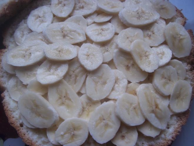 сверху кладем бананы