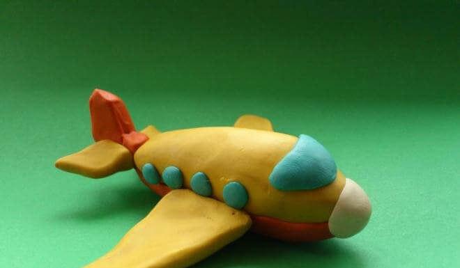 Самолетик из пластилина