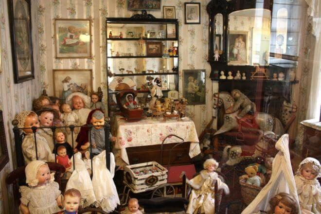 Поллока, музей игрушек