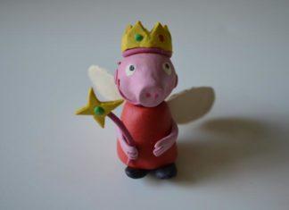 Свинка Пеппа из пластилина