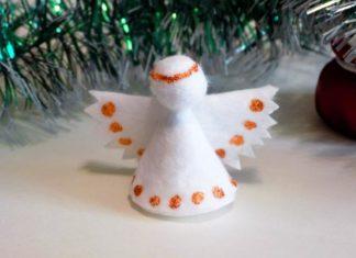Новогодний ангел из ватных дисков